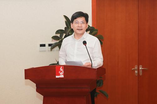 2.校党委书记陈春雷发表热情洋溢的讲话